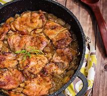 Wyborny kurczak duszony w cebulowym sosie