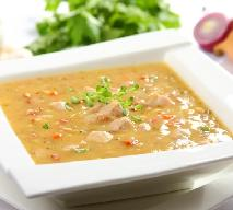 Zupa grochowa na wieprzowinie i boczku - solidna porcja energii na talerzu