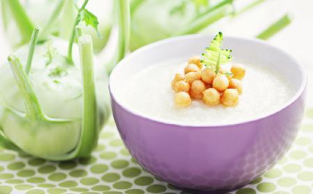 Zupa z kalarepki i rzepy z menu beszamel