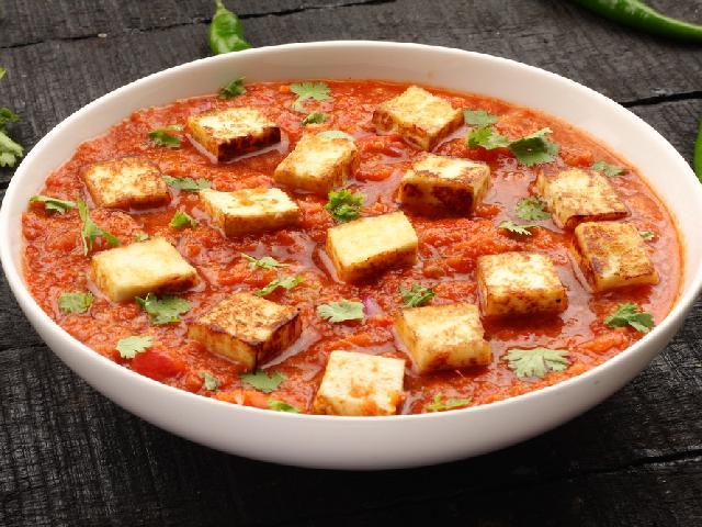 Tofu W Pomidorach Przepis Na Wegetarianski Gulasz Beszamel Se Pl