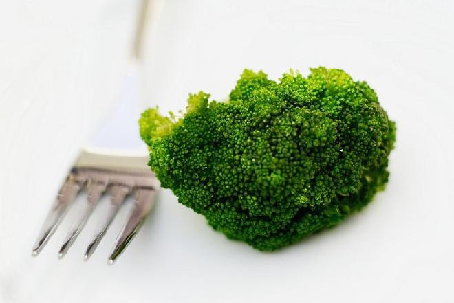 Jak gotować mrożone brokuły, by nie straciły swoich właściwości?