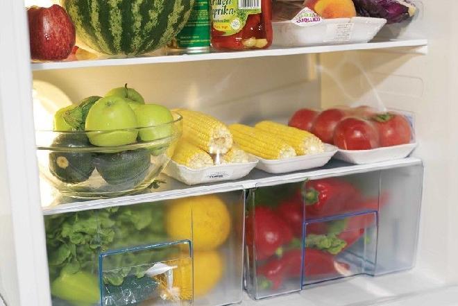 Jak przechowywać jedzenie w lodówce, żeby się nie psuło? [porady]