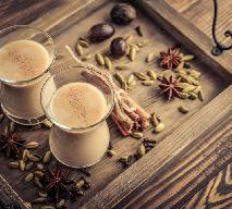 Rozgrzewające kakao z pastą tahini i kardamonem: bomba antyoksydantów w 1 kubku