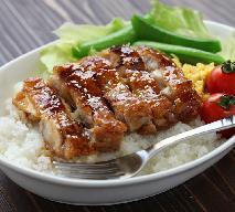 Piersi z kurczaka w sosie sojowo-miodowym