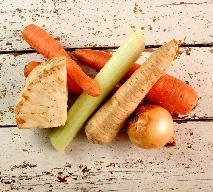 Oszczędny bulion z całych warzyw: baza do zup bez obierania włoszczyzny