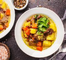 Sycąca zupa z mięsem wołowym i fasolą czerwoną: przepis na jednogarnkowe danie