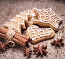 Miodowo-korzenne pierniczki: przepis na wigilijne ciasteczka