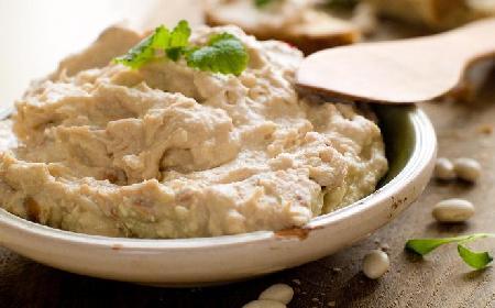 Pasta do kanapek z białej fasoli i rozmarynu: przepis