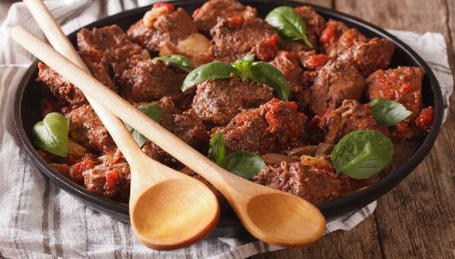 Wołowina na świąteczny obiad - 5 pomysłów świąteczną wołowinę