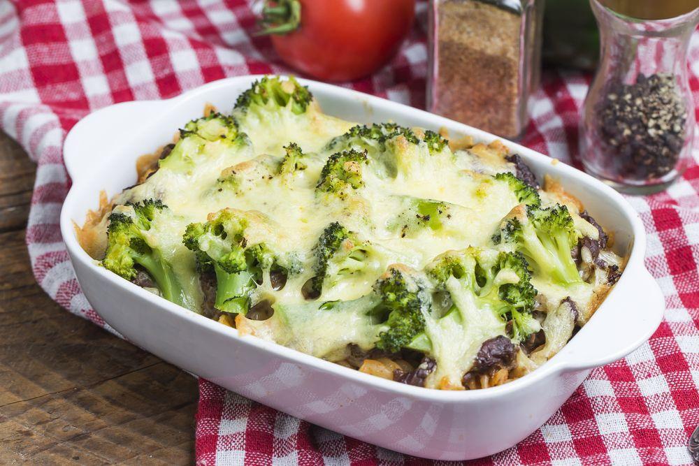 Makaron zapiekany z brokułami